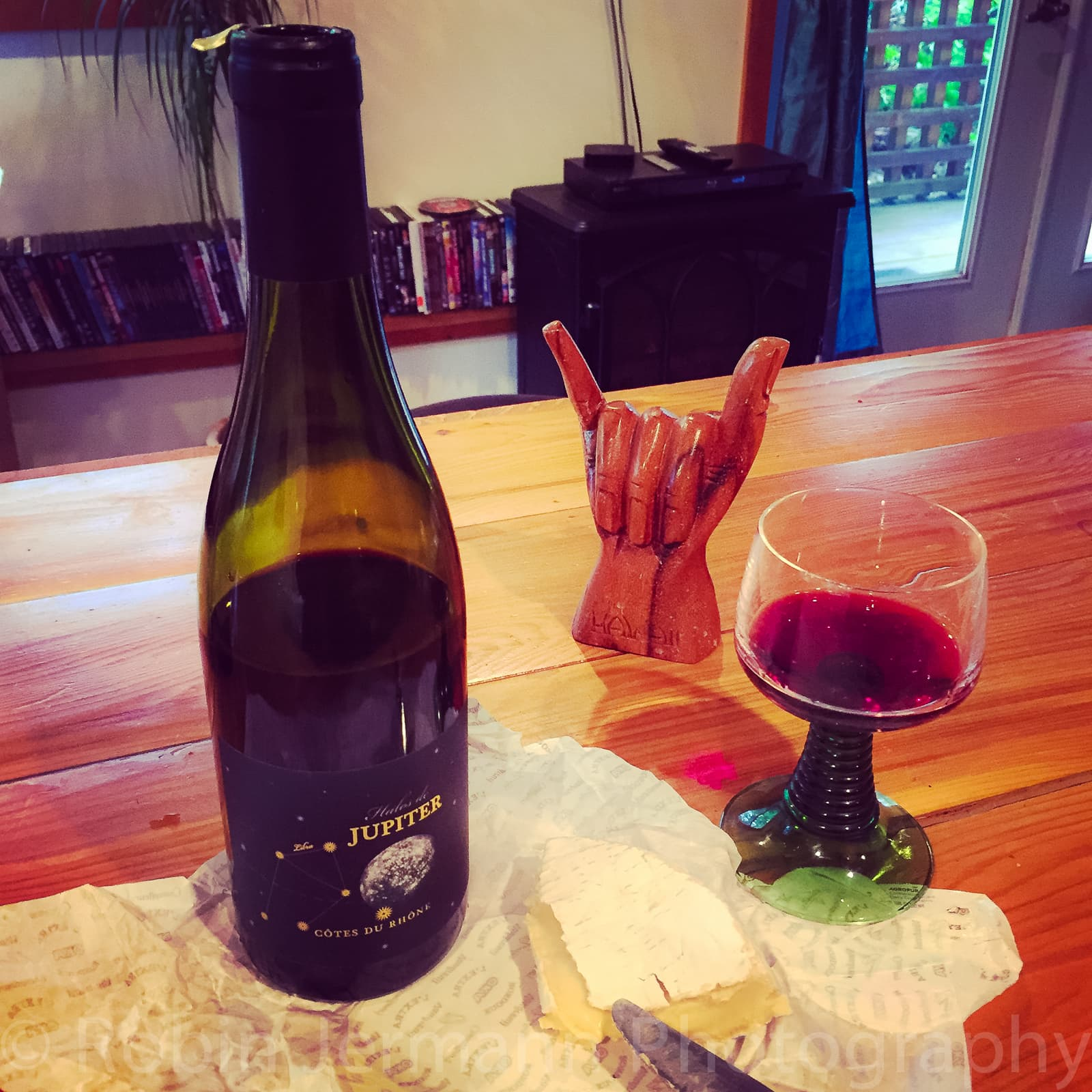 Hang loose and drink good red wine